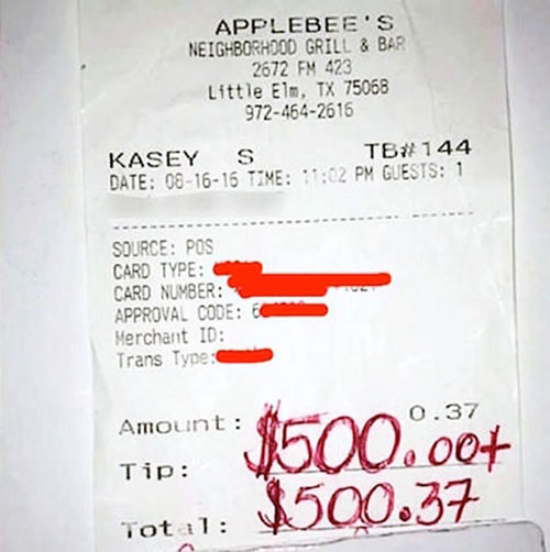 Applebee's waiter Kasey Simmons is tipped $500.00 by a grateful family after his show of kindness and love toward a grieving mother and wife.
