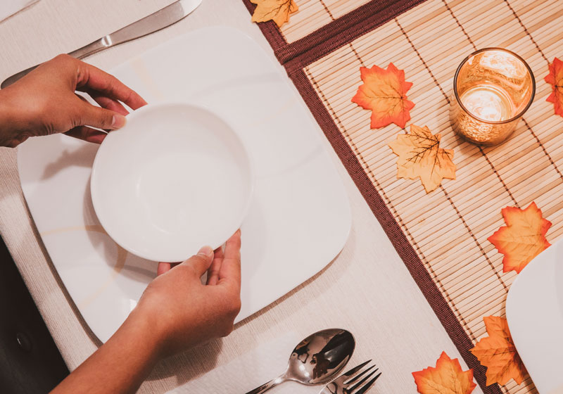 This Thanksgiving, you can be a loving and supportive presence for the family caregiver in your life with these 5 simple tips.